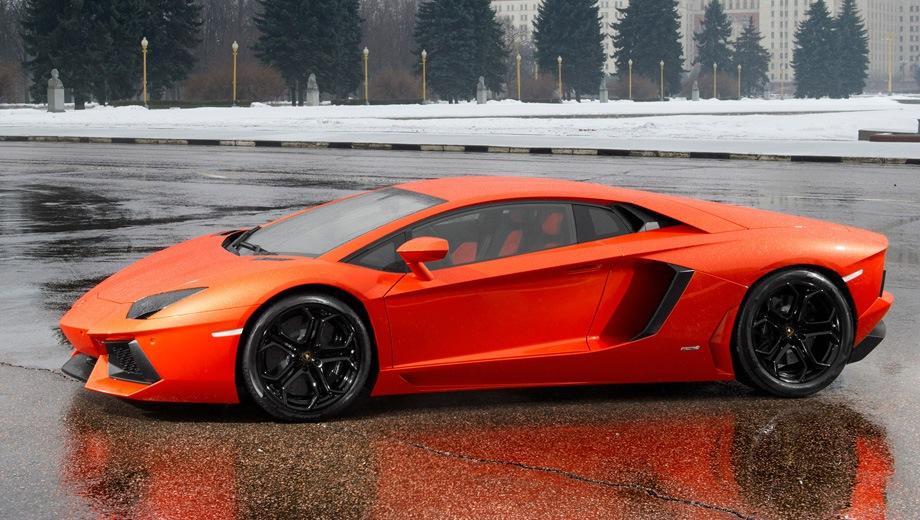 Lamborghini Aventador (2012). Выпускается с 2012 года. Одна базовая комплектация. Цена 17 615 000 руб.Двигатель 6.5, бензиновый. Привод полный. КПП: роботизированная.