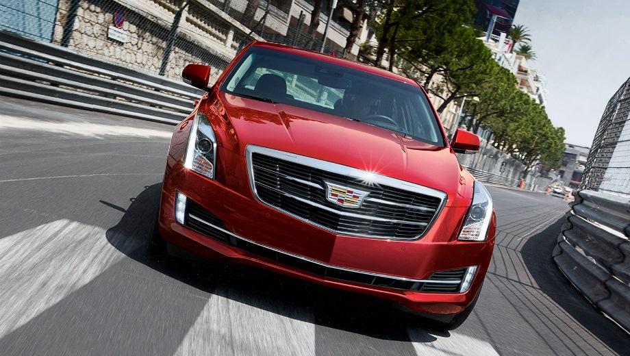 Cadillac ATS. Выпускается с 2012 года. Четыре базовые комплектации. Цены от 2 165 000 до 2 615 000 руб.Двигатель 2.0, бензиновый. Привод задний и полный. КПП: автоматическая.