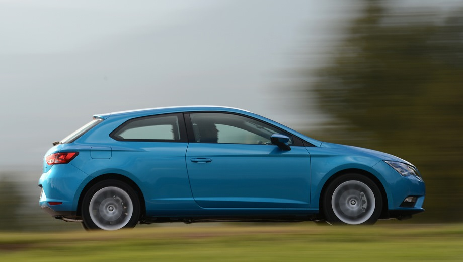 SEAT Leon SC. Выпускается с 2013 года. Тринадцать базовых комплектаций. Марка официально не представлена на российском рынке.Двигатель от 1.2 до 1.8, бензиновый. Привод передний. КПП: механическая и роботизированная.
