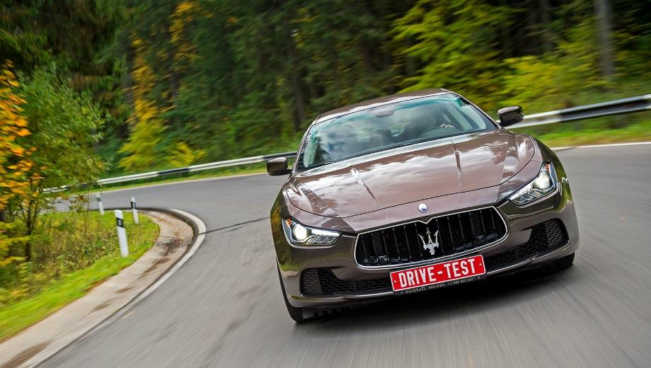 Maserati Ghibli. Выпускается с 2013 года. Три базовые комплектации. Цены от 4 400 000 до 5 950 000 руб.Двигатель 3.0, дизельный и бензиновый. Привод задний и полный. КПП: автоматическая.