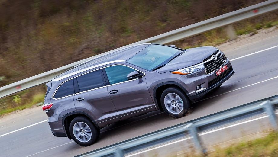Toyota Highlander. Выпускается с 2013 года. Пять базовых комплектаций. Цены от 3 159 000 до 3 762 000 руб.Двигатель от 2.7 до 3.5, бензиновый. Привод передний и полный. КПП: автоматическая.