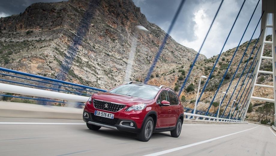 Peugeot 2008. Выпускается с 2013 года. Две базовые комплектации. Цены от 1 424 000 до 1 484 000 руб.Двигатель 1.2, бензиновый. Привод передний. КПП: автоматическая.