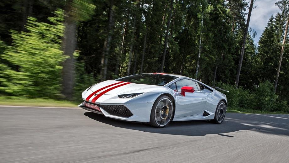 Lamborghini Huracan. Выпускается с 2014 года. Одна базовая комплектация. Цена 14 039 004 руб.Двигатель 5.2, бензиновый. Привод полный. КПП: роботизированная.