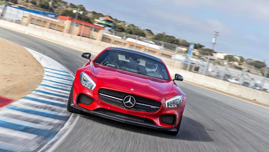 Mercedes-Benz GT AMG (2014). Выпускается с 2014 года. Одна базовая комплектация. Цена 8 930 000 руб.Двигатель 4.0, бензиновый. Привод задний. КПП: роботизированная.