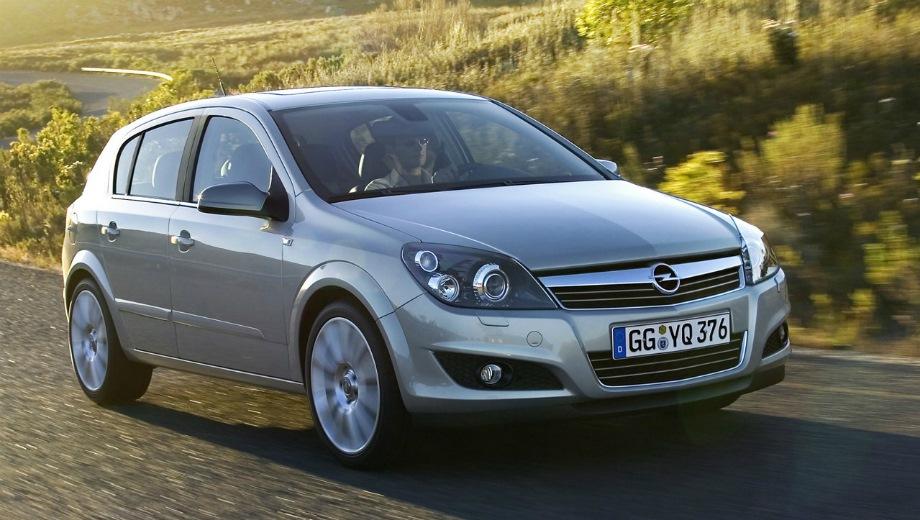 Opel Astra (2004). Выпускается с 2004 года. Шесть базовых комплектаций. Марка официально не представлена на российском рынке.Двигатель от 1.6 до 1.8, бензиновый. Привод передний. КПП: механическая и автоматическая.