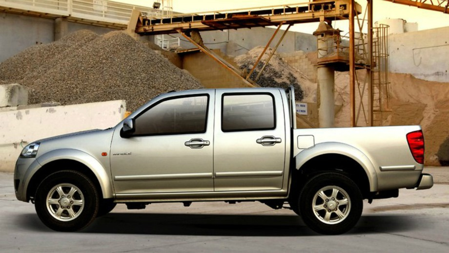 Great Wall Wingle. Выпускается с 2011 года. Две базовые комплектации. Цены от 830 000 до 914 000 руб.Двигатель 2.2, бензиновый. Привод полный. КПП: механическая.