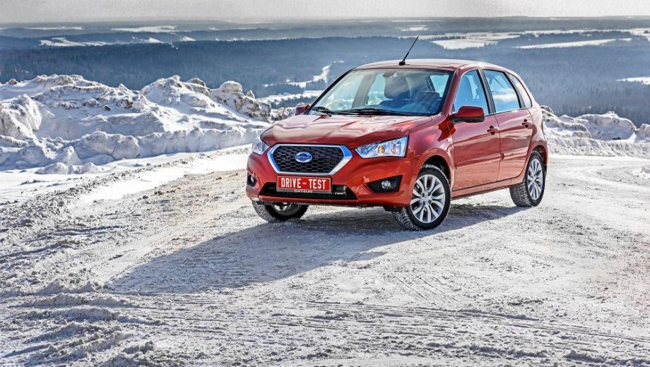 Datsun mi-DO. Выпускается с 2015 года. Одиннадцать базовых комплектаций. Цены от 539 000 до 715 000 руб.Двигатель 1.6, бензиновый. Привод передний. КПП: механическая и автоматическая.