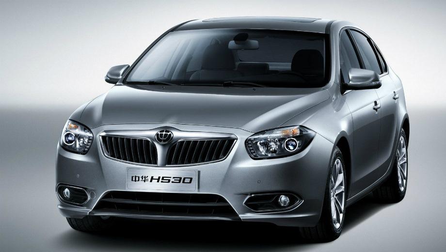 Brilliance H530. Выпускается с 2011 года. Четыре базовые комплектации. Цены от 579 900 до 664 900 руб.Двигатель 1.6, бензиновый. Привод передний. КПП: механическая и автоматическая.