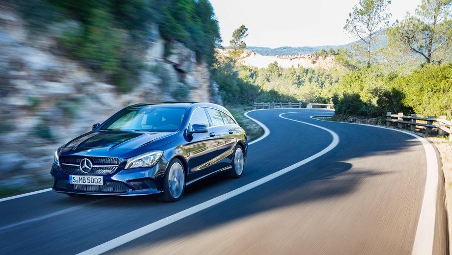 Mercedes-Benz CLA Shooting Brake. Выпускается с 2015 года. Две базовые комплектации. Цена 2 860 000 руб.Двигатель 2.0, бензиновый. Привод полный. КПП: роботизированная.
