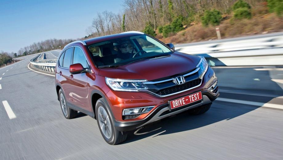 Honda CR-V (2015). Выпускается с 2015 года. Две базовые комплектации. Цены от 1 729 900 до 1 849 900 руб.Двигатель 2.0, бензиновый. Привод полный. КПП: автоматическая.