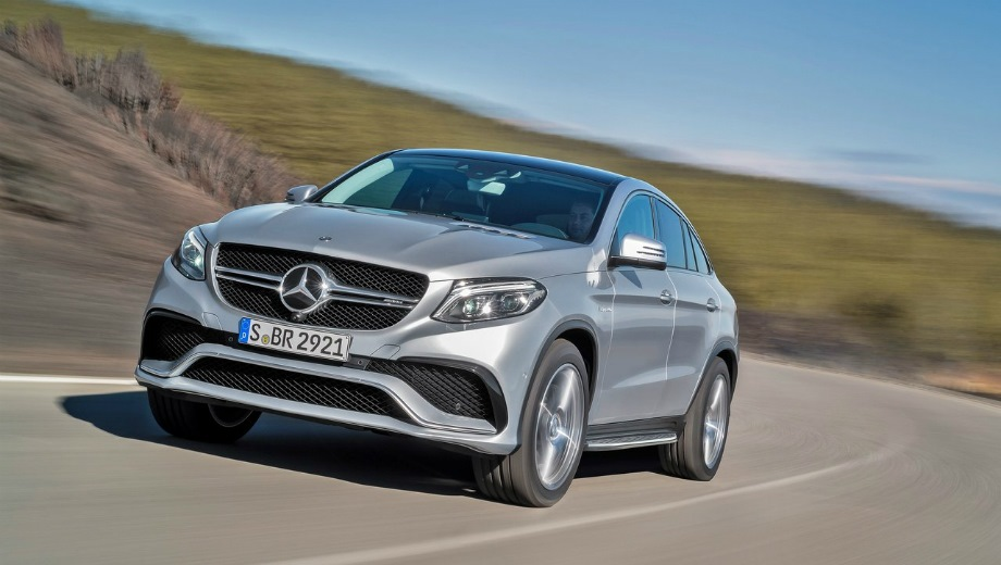 Mercedes-Benz GLE 63 AMG Coupe. Выпускается с 2015 года. Две базовые комплектации. Цены от 9 080 000 до 9 790 000 руб.Двигатель 5.5, бензиновый. Привод полный. КПП: автоматическая.