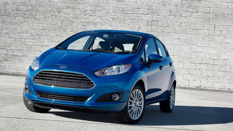 Ford Fiesta. Выпускается с 2015 года. Три базовые комплектации. Цены от 830 000 до 1 015 000 руб.Двигатель 1.6, бензиновый. Привод передний. КПП: механическая и роботизированная.