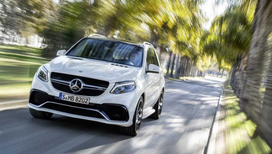 Mercedes-Benz GLE 63 AMG. Выпускается с 2015 года. Две базовые комплектации. Цены от 8 290 000 до 8 990 000 руб.Двигатель 5.5, бензиновый. Привод полный. КПП: автоматическая.