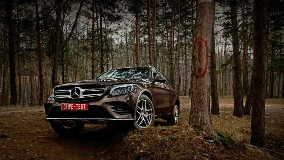 Mercedes-Benz GLC (2015). Выпускается с 2015 года. Пять базовых комплектаций. Цены от 3 530 000 до 4 410 000 руб.Двигатель от 2.0 до 2.1, дизельный, бензиновый и гибридный. Привод полный. КПП: автоматическая.