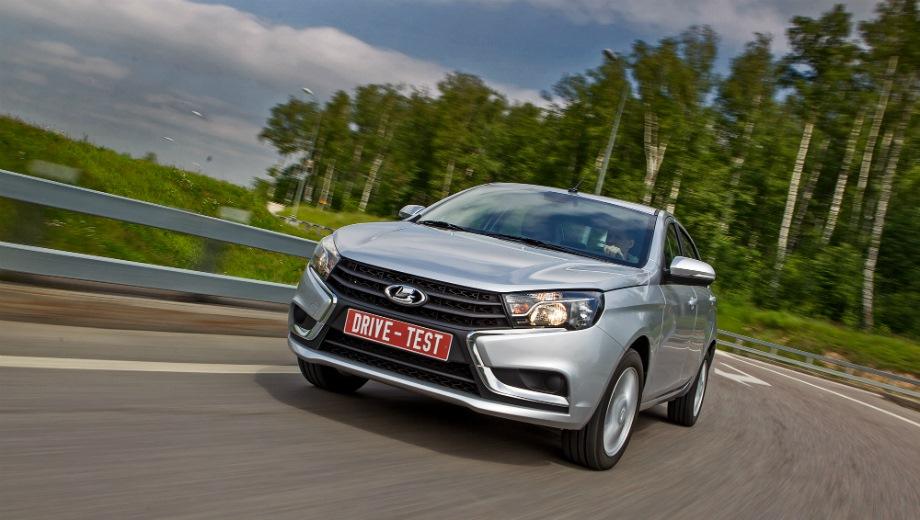 Lada Vesta. Выпускается с 2015 года. Двадцать три базовые комплектации. Цены от 614 900 до 928 900 руб.Двигатель от 1.6 до 1.8, бензиновый. Привод передний. КПП: механическая и роботизированная.