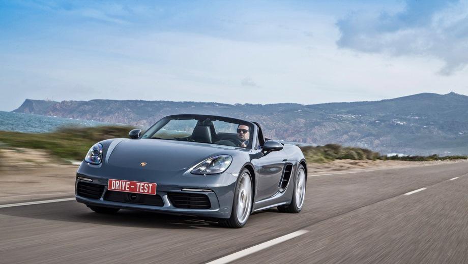 Porsche 718 Boxster. Выпускается с 2016 года. Шесть базовых комплектаций. Цены от 3 879 000 до 5 462 051 руб.Двигатель от 2.0 до 2.5, бензиновый. Привод задний. КПП: механическая и роботизированная.