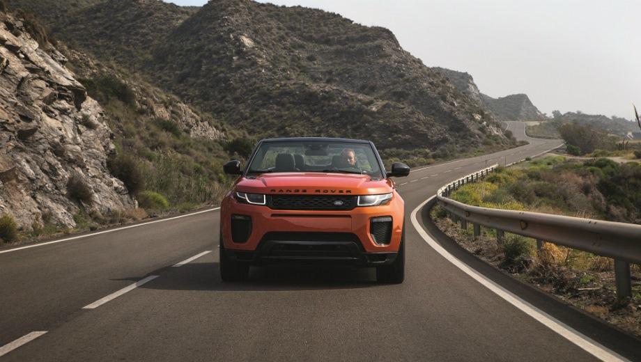 Land Rover Range Rover Evoque Convertible. Выпускается с 2015 года. Одна базовая комплектация. Цена 4 496 000 руб.Двигатель 2.0, бензиновый. Привод полный. КПП: автоматическая.