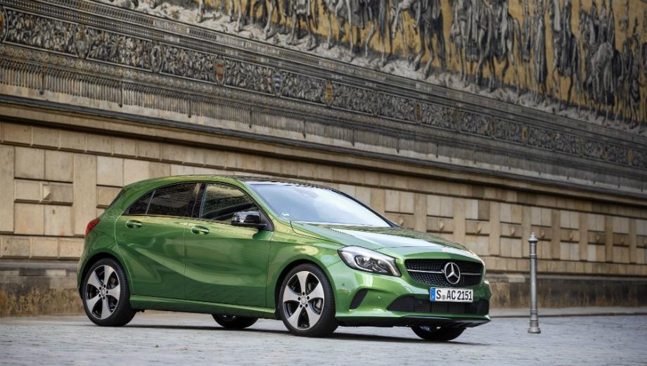 Mercedes-Benz A (2012). Выпускается с 2012 года. Одна базовая комплектация. Цена 1 680 000 руб.Двигатель 1.6, бензиновый. Привод передний. КПП: роботизированная.