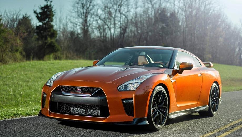 Nissan GT-R. Выпускается с 2016 года. Одна базовая комплектация. Цена 7 626 000 руб.Двигатель 3.8, бензиновый. Привод полный. КПП: автоматическая.