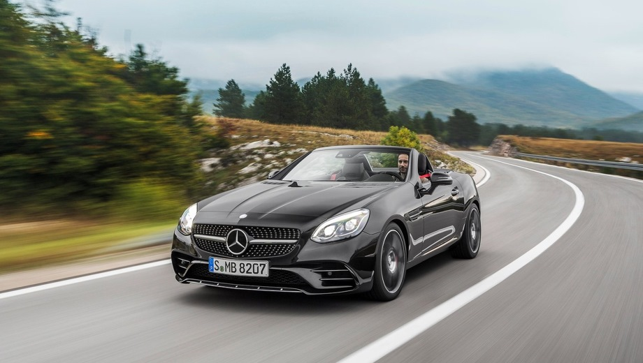 Mercedes-Benz SLC AMG 43. Выпускается с 2015 года. Одна базовая комплектация. Цена 4 790 000 руб.Двигатель 3.0, бензиновый. Привод задний. КПП: автоматическая.