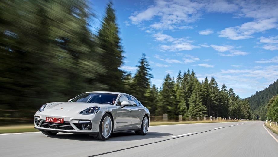 Porsche Panamera. Выпускается с 2016 года. Двенадцать базовых комплектаций. Цены от 6 283 000 до 13 673 000 руб.Двигатель от 2.9 до 4.0, бензиновый и гибридный. Привод задний и полный. КПП: роботизированная.