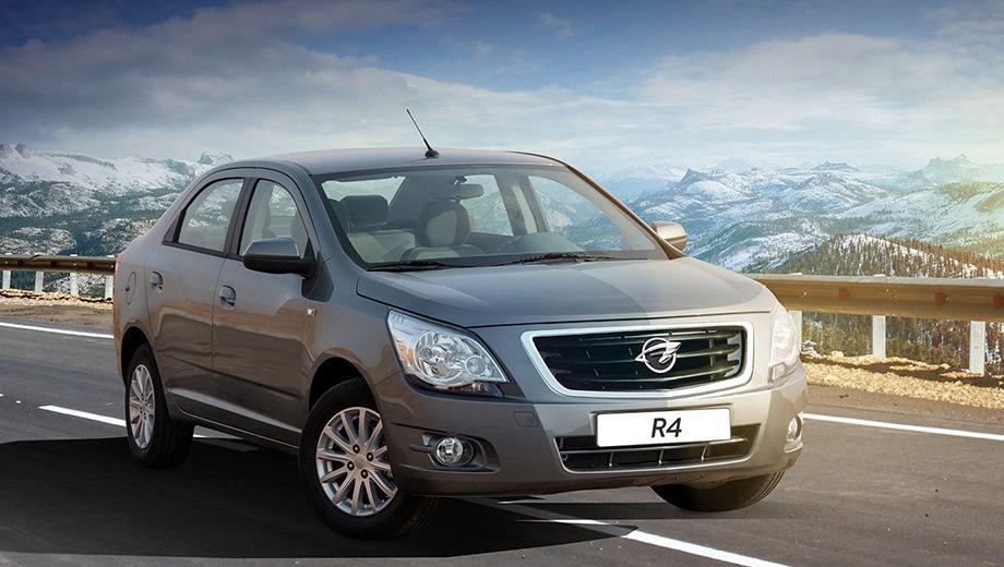 Ravon R4. Выпускается с 2016 года. Шесть базовых комплектаций. Цены от 529 000 до 659 000 руб.Двигатель 1.5, бензиновый. Привод передний. КПП: механическая и автоматическая.