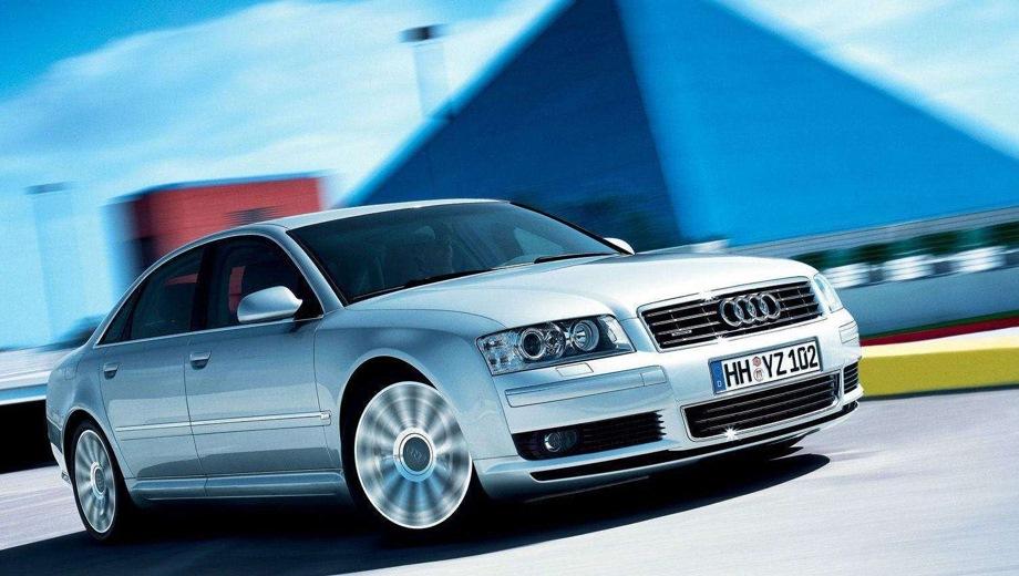 Audi A8. Выпускается с 2003 года. Восемь базовых комплектаций. Цены от 2 894 600 до 5 473 900 руб.Двигатель от 3.0 до 6.0, бензиновый и дизельный. Привод передний и полный. КПП: вариатор и автоматическая.