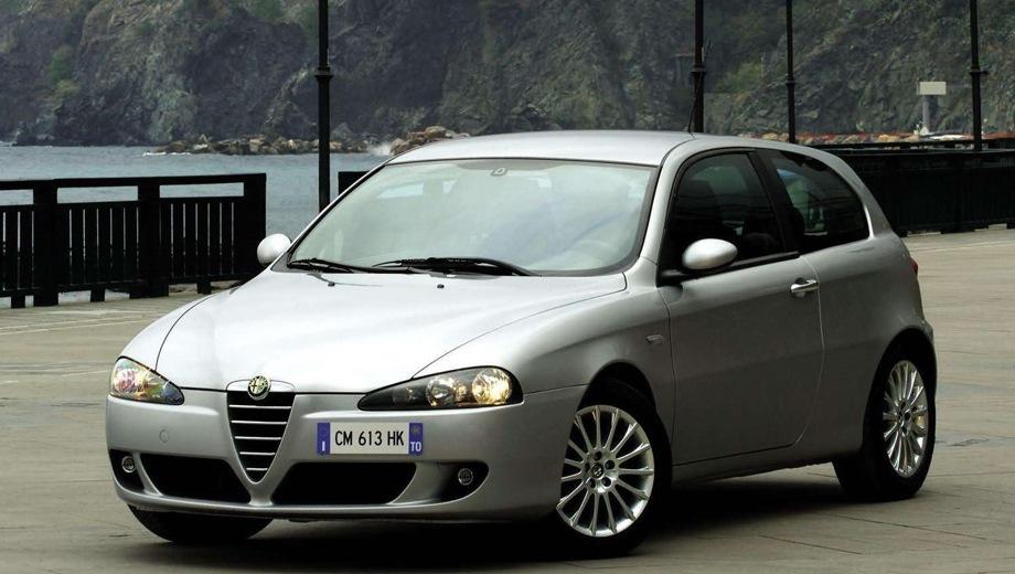 Alfa Romeo 147 3d. Выпускается с 2000 года. Три базовые комплектации. Цены от 1 923 363 до 2 175 750 руб.Двигатель от 1.6 до 2.0, бензиновый. Привод передний. КПП: механическая и роботизированная.
