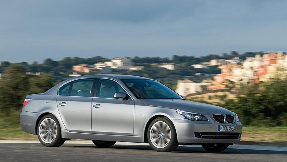 BMW 5-Series Limousine (2004). Выпускается с 2004 года. Одиннадцать базовых комплектаций. Цены от 1 616 300 до 3 007 600 руб.Двигатель от 2.0 до 4.8, бензиновый и дизельный. Привод задний и полный. КПП: механическая и автоматическая.
