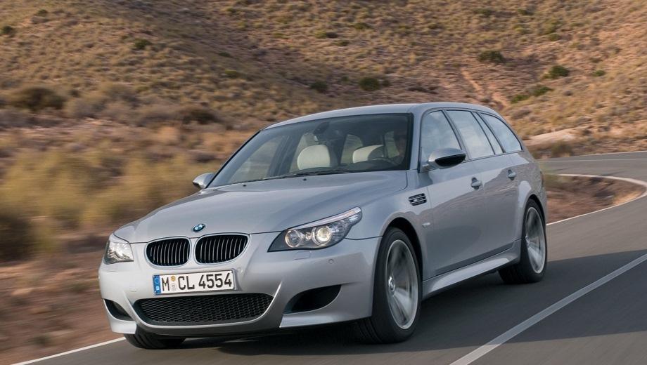 BMW M5 Touring. Выпускается с 2004 года. Одна базовая комплектация. Цена 4 215 100 руб.Двигатель 5.0, бензиновый. Привод задний. КПП: роботизированная.
