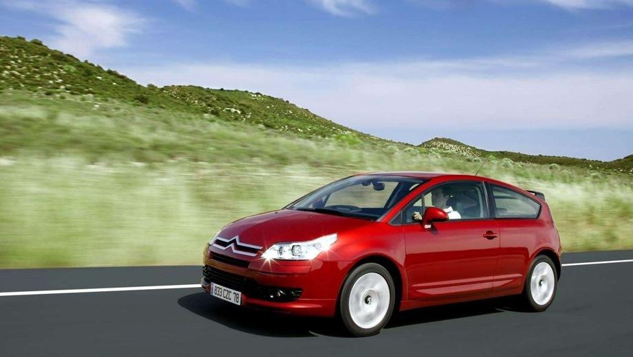 Citroen C4 Coupe. Выпускается с 2004 года. Четыре базовые комплектации. Цены от 540 000 до 748 000 руб.Двигатель 1.6, бензиновый. Привод передний. КПП: механическая и автоматическая.