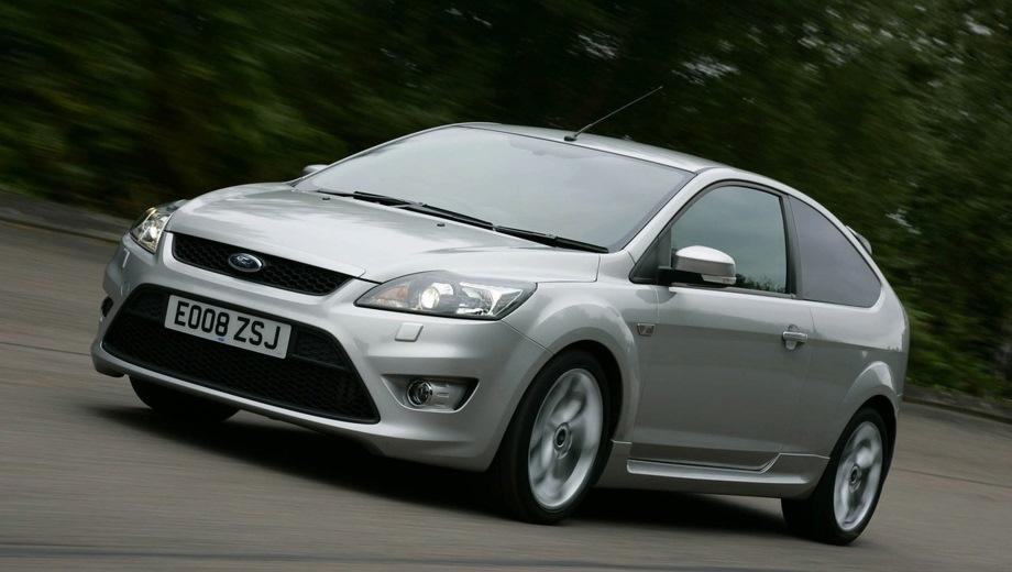 Ford Focus ST 3d. Выпускается с 2005 года. Одна базовая комплектация. Цена 1 061 100 руб.Двигатель 2.5, бензиновый. Привод передний. КПП: механическая.