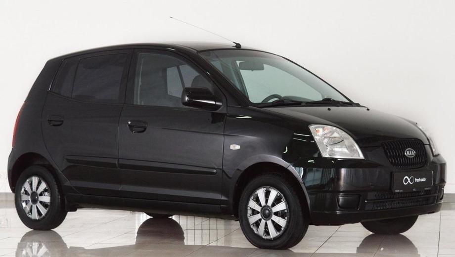 KIA Picanto (2005). Выпускается с 2005 года. Пять базовых комплектаций. Цены от 339 900 до 459 900 руб.Двигатель от 1.0 до 1.1, бензиновый. Привод передний. КПП: механическая и автоматическая.