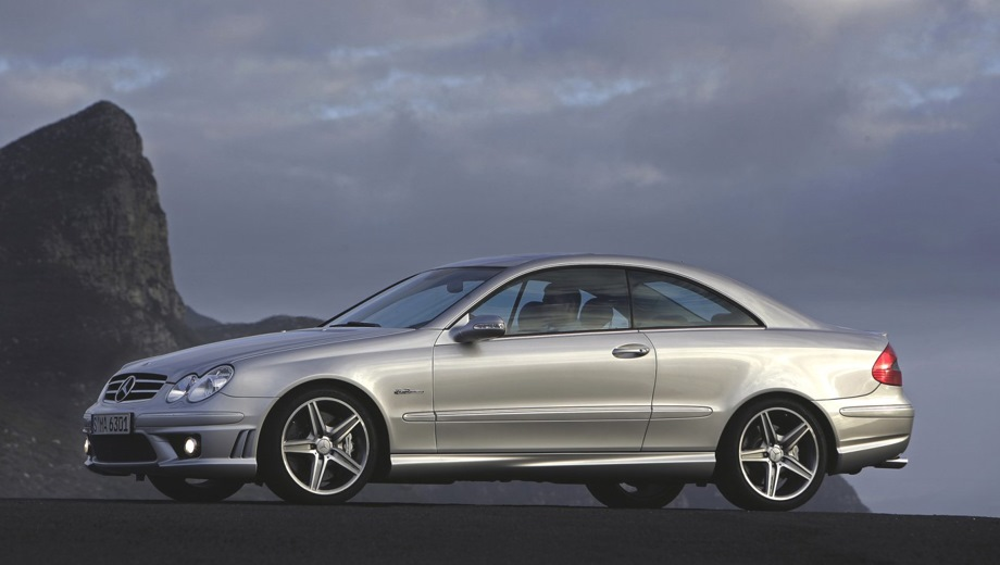 Mercedes-Benz CLK 63 AMG Coupe. Выпускается с 2002 года. Одна базовая комплектация. Цена 4 070 000 руб.Двигатель 6.2, бензиновый. Привод задний. КПП: автоматическая.