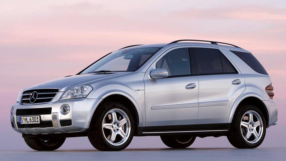 Mercedes-Benz ML 63 AMG (2005). Выпускается с 2005 года. Одна базовая комплектация. Цена 4 900 000 руб.Двигатель 6.2, бензиновый. Привод полный. КПП: автоматическая.