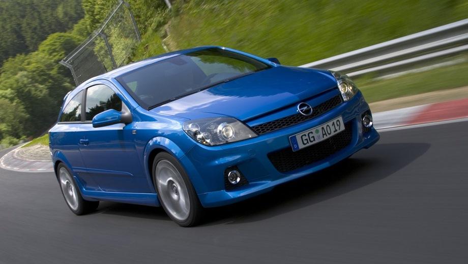 Opel Astra OPC (2005). Выпускается с 2005 года. Одна базовая комплектация. Марка официально не представлена на российском рынке.Двигатель 2.0, бензиновый. Привод передний. КПП: механическая.
