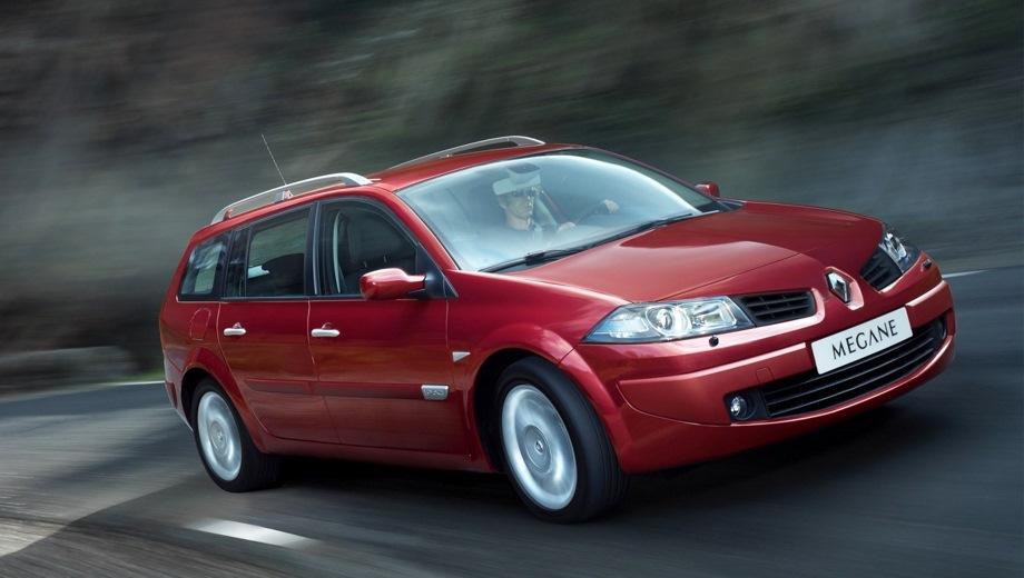 Renault Megane Estate. Выпускается с 2003 года. Шесть базовых комплектаций. Цены от 674 700 до 786 200 руб.Двигатель 1.6, бензиновый. Привод передний. КПП: механическая и автоматическая.