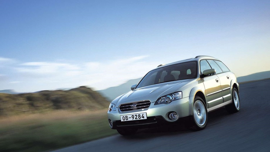 Subaru Outback (2004). Выпускается с 2004 года. Одиннадцать базовых комплектаций. Цены от 1 159 100 до 1 538 800 руб.Двигатель от 2.5 до 3.0, бензиновый. Привод полный. КПП: механическая и автоматическая.