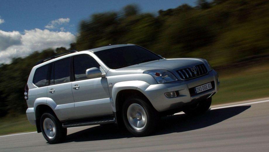 Toyota Land Cruiser Prado (2002). Выпускается с 2002 года. Две базовые комплектации. Цены от 1 578 200 до 1 762 800 руб.Двигатель 4.0, бензиновый. Привод полный. КПП: автоматическая.