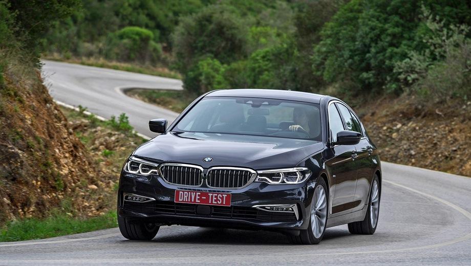 BMW 5 Series Sedan. Выпускается с 2016 года. Восемь базовых комплектаций. Цены от 3 030 000 до 5 640 000 руб.Двигатель от 2.0 до 4.4, бензиновый и дизельный. Привод задний и полный. КПП: автоматическая.
