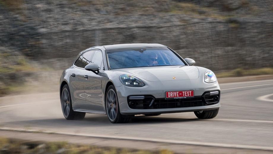 Porsche Panamera Sport Turismo. Выпускается с 2016 года. Шесть базовых комплектаций. Цены от 6 732 000 до 12 368 000 руб.Двигатель от 2.9 до 4.0, бензиновый и гибридный. Привод полный. КПП: роботизированная.