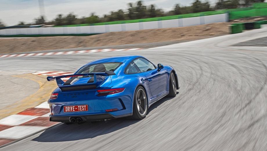 Porsche 911 GT3. Выпускается с 2017 года. Две базовые комплектации. Цена 10 318 000 руб.Двигатель 4.0, бензиновый. Привод задний. КПП: механическая и роботизированная.