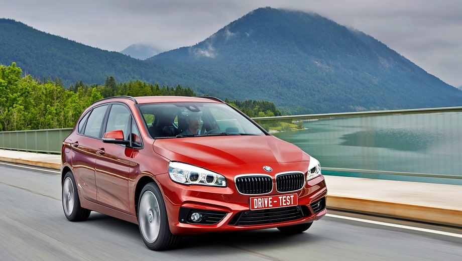BMW 2 Series Active Tourer. Выпускается с 2013 года. Две базовые комплектации. Цены от 1 710 000 до 1 760 000 руб.Двигатель 1.5, бензиновый. Привод передний. КПП: механическая и автоматическая.