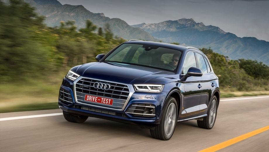 Audi Q5. Выпускается с 2017 года. Три базовые комплектации. Цены от 3 270 000 до 3 585 000 руб.Двигатель 2.0, бензиновый. Привод полный. КПП: роботизированная.