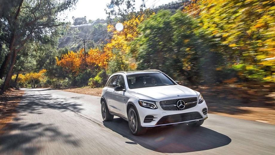 Mercedes-Benz GLC 43 AMG. Выпускается с 2016 года. Одна базовая комплектация. Цена 4 660 000 руб.Двигатель 3.0, бензиновый. Привод полный. КПП: автоматическая.