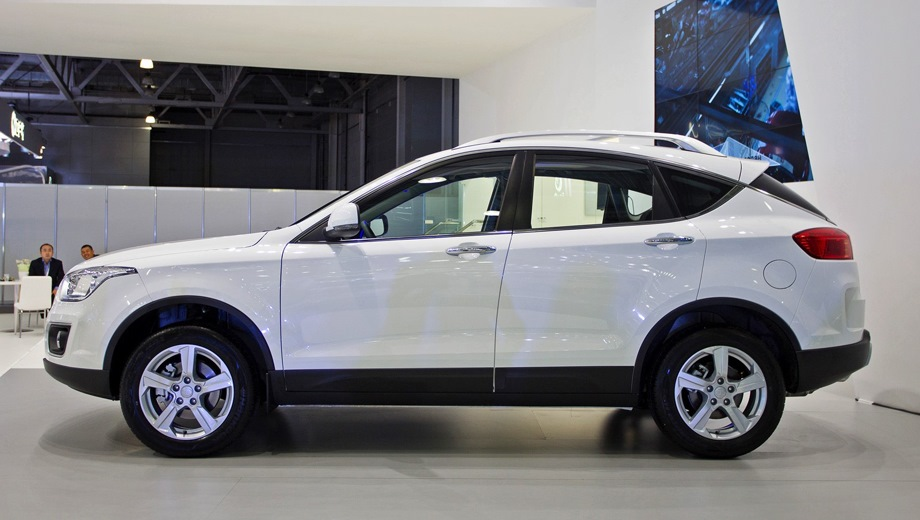 FAW Besturn X80 (2014). Выпускается с 2014 года. Одна базовая комплектация. Цена 1 149 000 руб.Двигатель 2.0, бензиновый. Привод передний. КПП: автоматическая.