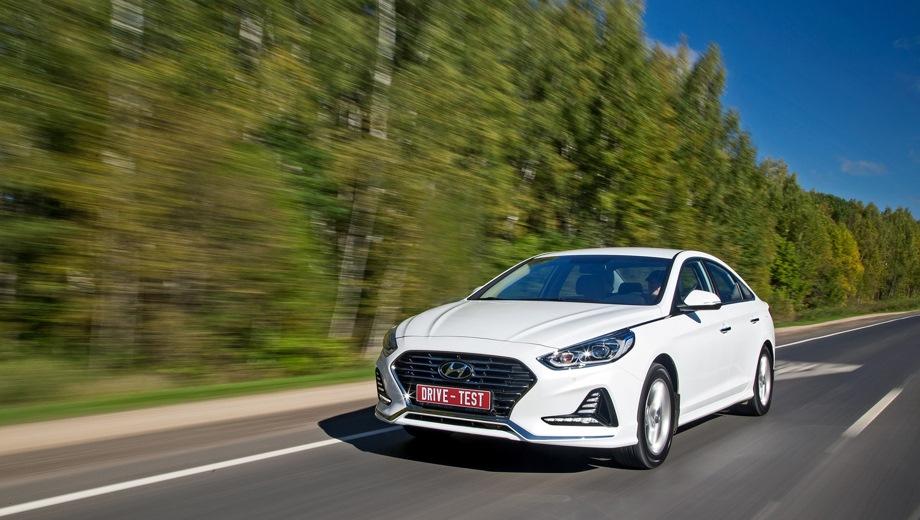 Hyundai Sonata. Выпускается с 2017 года. Шесть базовых комплектаций. Цены от 1 334 000 до 1 775 000 руб.Двигатель от 2.0 до 2.4, бензиновый. Привод передний. КПП: автоматическая.