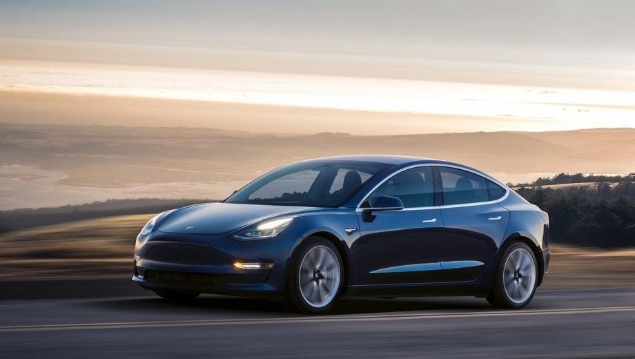 Tesla Model 3. Выпускается с 2017 года. Две базовые комплектации. Цены от 3 500 000 до 4 000 000 руб.Привод задний. КПП: автоматическая.