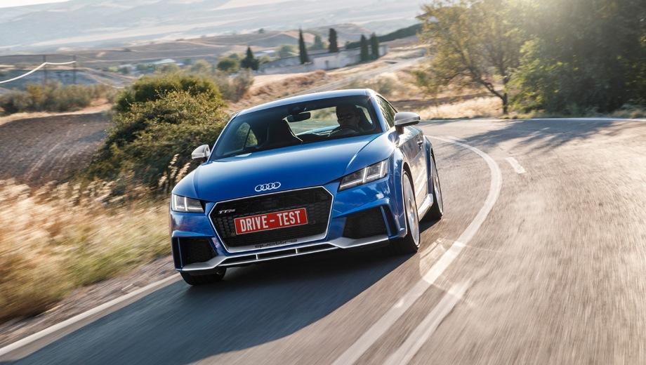 Audi TT RS. Выпускается с 2016 года. Одна базовая комплектация. Цена 4 962 000 руб.Двигатель 2.5, бензиновый. Привод полный. КПП: роботизированная.