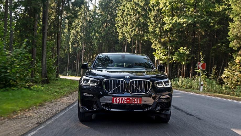 BMW X4. Выпускается с 2018 года. Шесть базовых комплектаций. Цены от 3 920 000 до 5 600 000 руб.Двигатель от 2.0 до 3.0, бензиновый и дизельный. Привод полный. КПП: автоматическая.